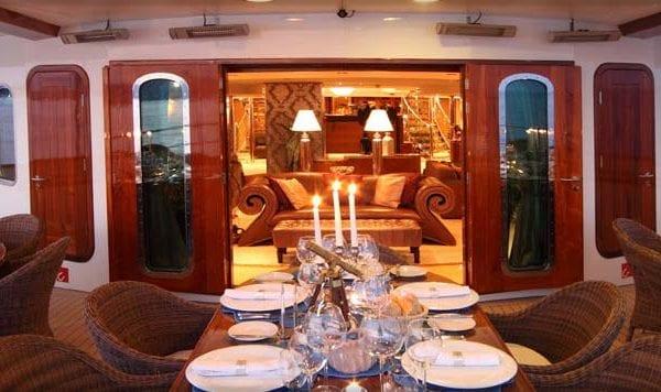 M.Y. Sherakhan: Een perfect gevoel van luxe en comfort!
